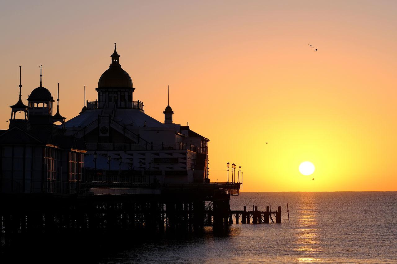 Beautiful stock photos of abschlussball, sunset, sky, architecture, silhouette