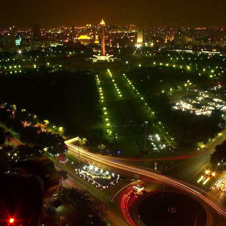 Bankindonesia Slowspeedart Cityscape Jakarta INDONESIA Monumennasional . toop roof bank of Indonesia.