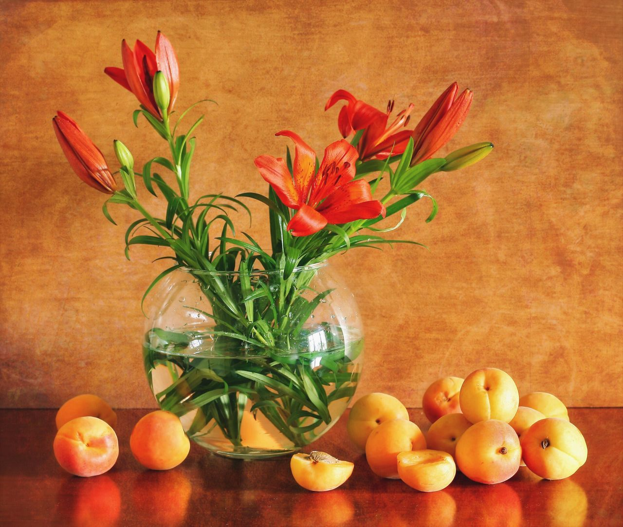Still life with Lilies and Apricots Flower Freshness No People Fragility Plant Indoors  Nature Beauty In Nature Close-up Still Life Photography Still Life Summertime Summer Bouquet Beauty In Nature Nature Flower Arrangement Bunch Of Flowers Freshness Table Orange Color