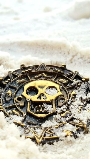 EyeEm Selects Gold No People Gold Colored Day Close-up Outdoors Nature Beach Dubloon Treasure Pirate Treasure Gold Coin Pirates Of The Caribbean Beachphotography Beauty In Nature EyeEm Nature Lover EyeEm Best Shots EyeEm Gallery