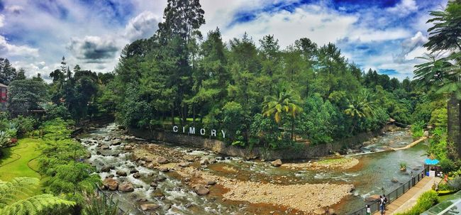 Outdoors Tree Sky Nature Cloud Beauty In Nature Cloud - Sky Rock Relaxing Chilling Riverside Cimory Puncak  West Java  INDONESIA Nature_collection Travel Traveling Travelphotography Traveladdict Java View Green Nature Chillout Lunch