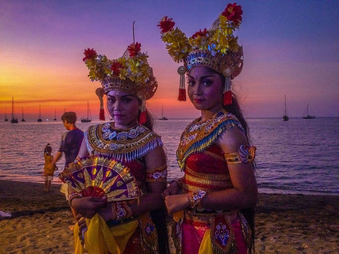 Sunset #sun #clouds #skylovers #sky #nature #beautifulinnature #naturalbeauty #photography #landscape Bali Beach Festival IPhoneography Sunrise_sunsets_aroundworld EyeEm Best Shots - Sunsets + Sunrise Beachphotography Asian Culture Beautiful Girl