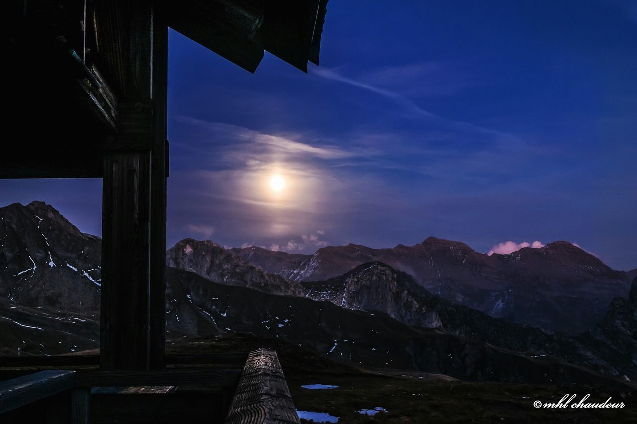 Night shoot on vtt trip when sleep in refuge la croix du bonhomme in france between the beaufortain and mont blanc massif Mhlchaudeurphotographies Mountain Landscape Bikelife Simple Moment Mountain View Nightshot