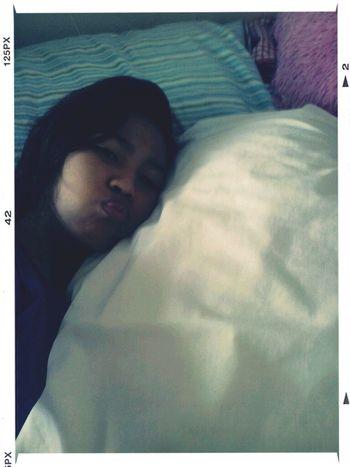 I Love My Pillow Cuz It Smells Like My Bhe