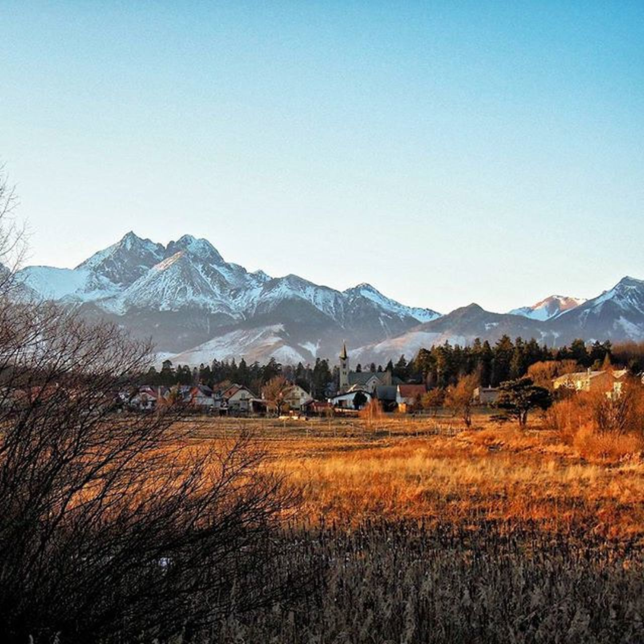 December sunset Landscape_captures Mountains Village Thisisslovakia Explore_slovakia Pureslovakia Insta_svk Hightatras