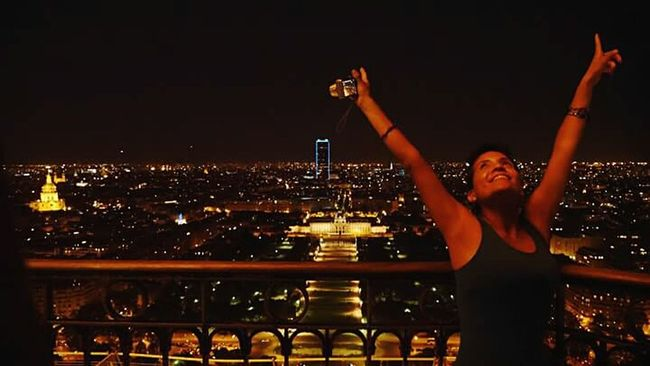 Up there...on the Eiffel Tower❤ ... A dream come true! And the best time ever when i was in Paris ! feeling blessed and very special. I always dream with going and going up to the tower... and i did it... i said before... if i just see the tower... i could die the day after... of course i visited and im still here... but wanting to live more and each day of every second! if i could make this dream come true... imagine what other adventures are comming for me! i just love it!🙏🙆 and i have to thank my special person that help me to make this trip! feeling so blessed and thankful everyday of my life ❤ Feeling Thankful Dream Come True Eiffel Tower Eiffel Tower By Night Night Lights Night View Cityscapes City Life City View  Lights France Cityscape Night Happiness That's Me! My Unique Style Exceptional Photographs EyeEm Best Shots EyeEm Best Shots - Landscape Eye4photography  Self Portrait Feeling Inspired Feeling Blessed Eyeem Night Photography Night Shot