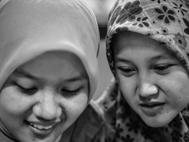 Best Friend Close-up EyeEm Best Shots EyeEm Gallery Friends Friendship Girls Happiness Headshot Nikon Nikonphotography People Potrait Potrait Photography Two People