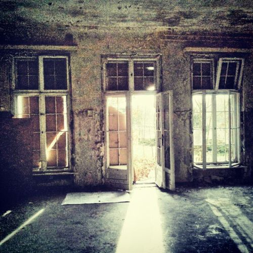 #urbex #lostinplace Photooftheday Opendoorsproject Partnersingrime Instaart Filthyfeeds Grime Urbanexploration Findingbeautyoutofshit Lostplaces Filthyfamily Light Urbanex Abandoned Sfx_urbex Derelict Lostplace Color Detailsofdecay Decay Beautymess Rotten Lostinplace Dark Beautifuldecay Urbex Organisedgrime