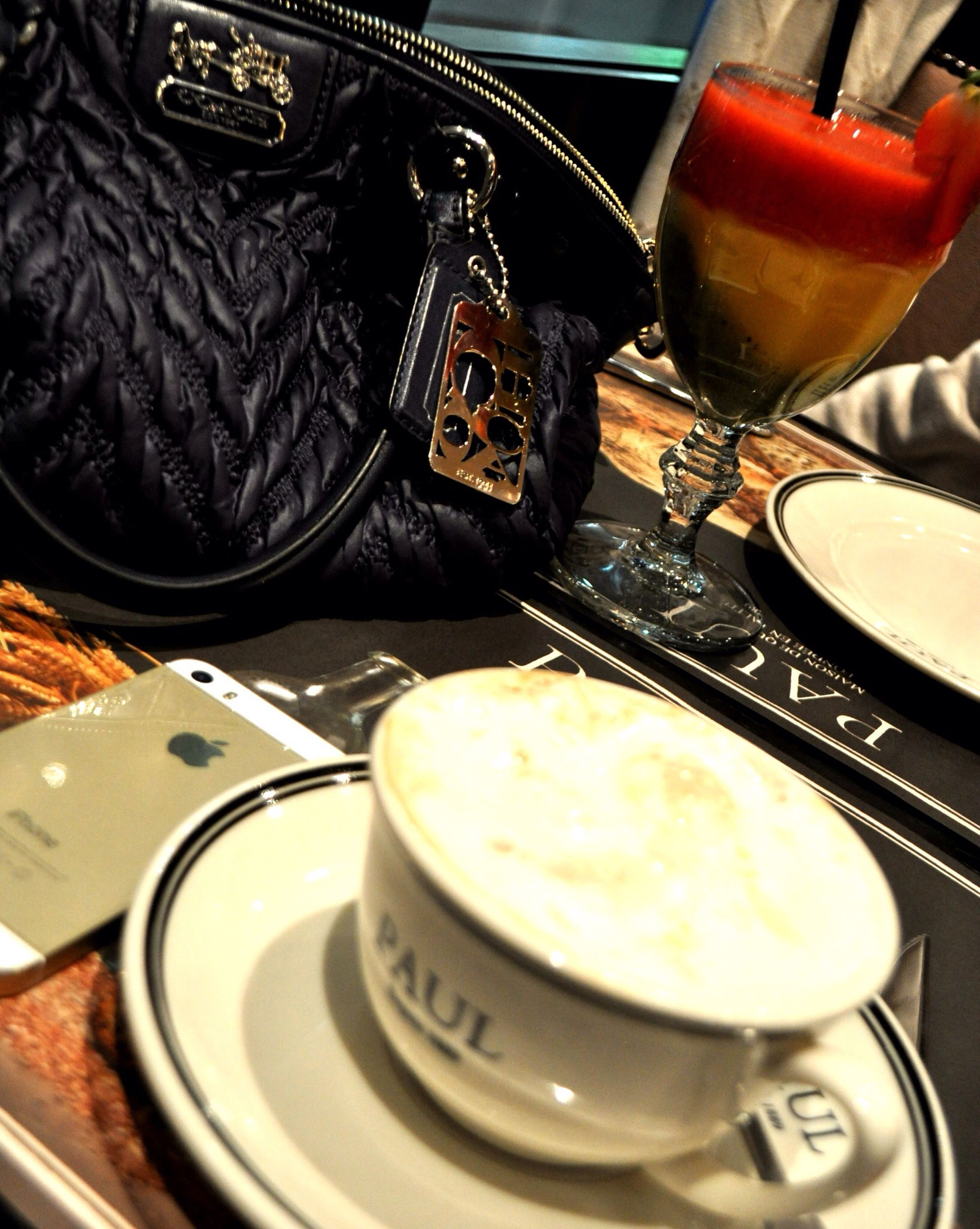 Hanging Out Riyadh Breakfast i love my morning with my sisters ??