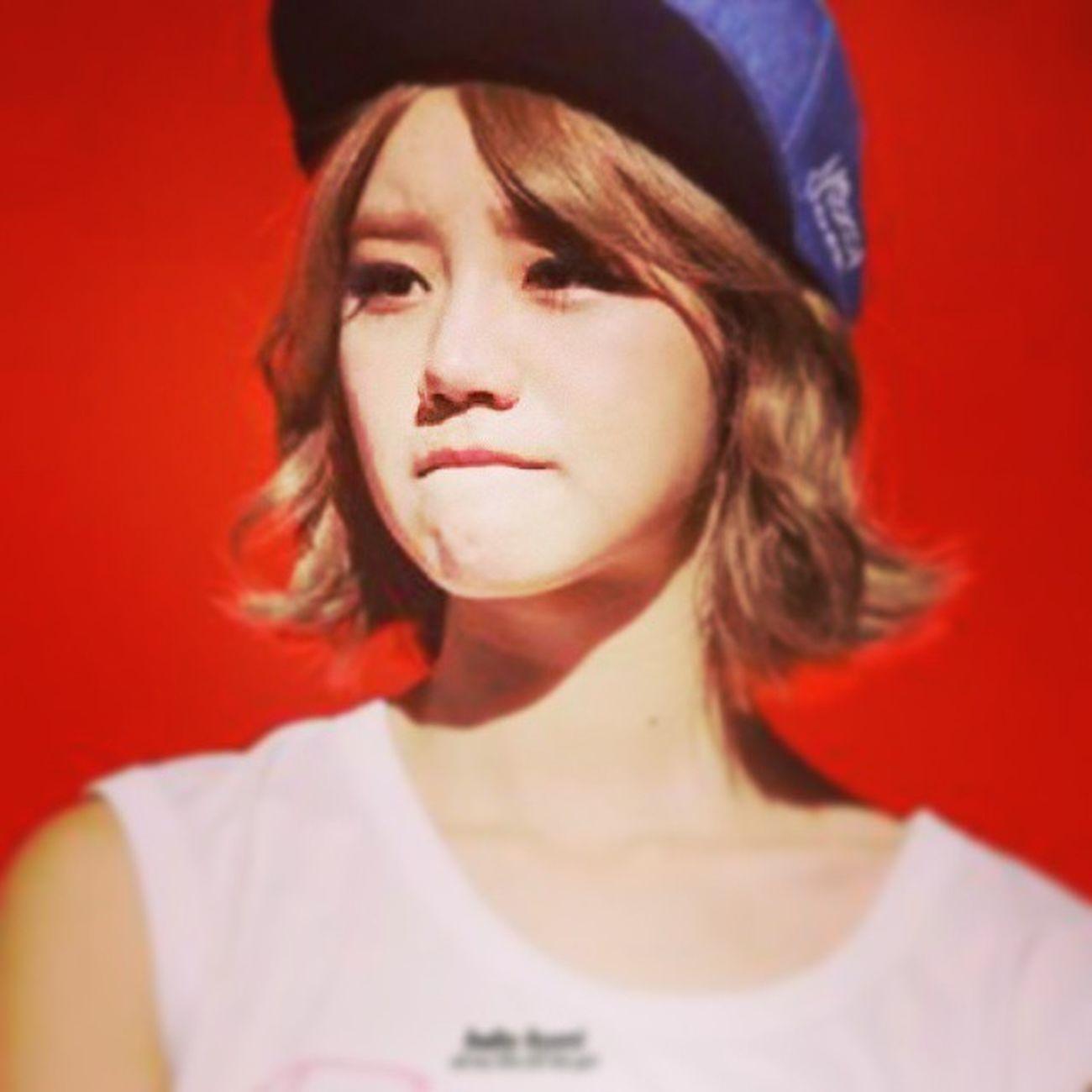 Lee Hyeri Leehyeri طييب لاتبكونهاا احبهاا 😢💔💘
