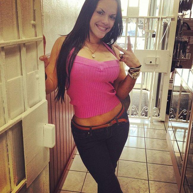 Love it when she walks into the gun shop!!! Myreason Nra Nomorebansonguns Beast ño lovely lifesentence kjhglock gunporn gunssavelives fdserranoswagg cowboygunshop witmyboo everydaycarry igmilitia puertoricanpecan personalprotection @pr_ailine