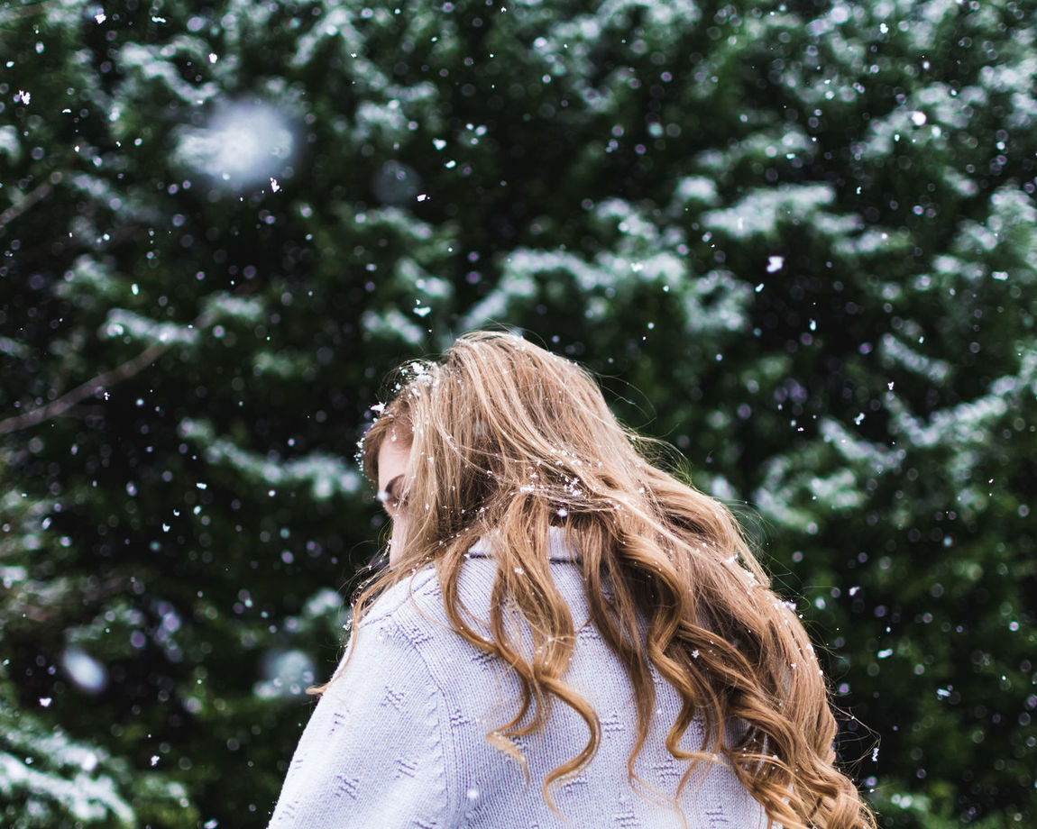Beautiful Girl Snow Day ❄ Snow ❄ Beauty In Nature Beutiful  Blond Hair Close-up Day Focus On Foreground Headshot Leisure Activity Lifestyles Long Hair Nature One Person Outdoors People Real People Rear View Snow Snow Portrait Snowing Tree
