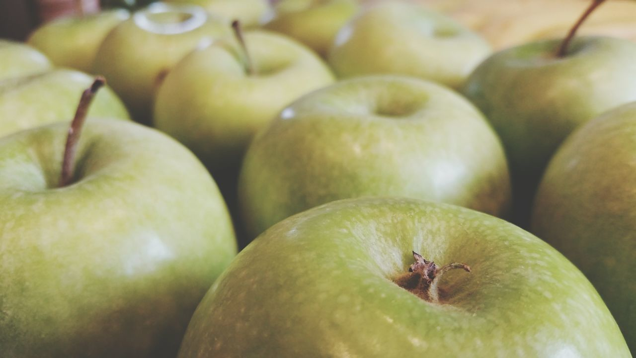 fruit, food and drink, healthy eating, food, apple - fruit, granny smith apple, freshness, green color, no people, close-up, day, mango, outdoors