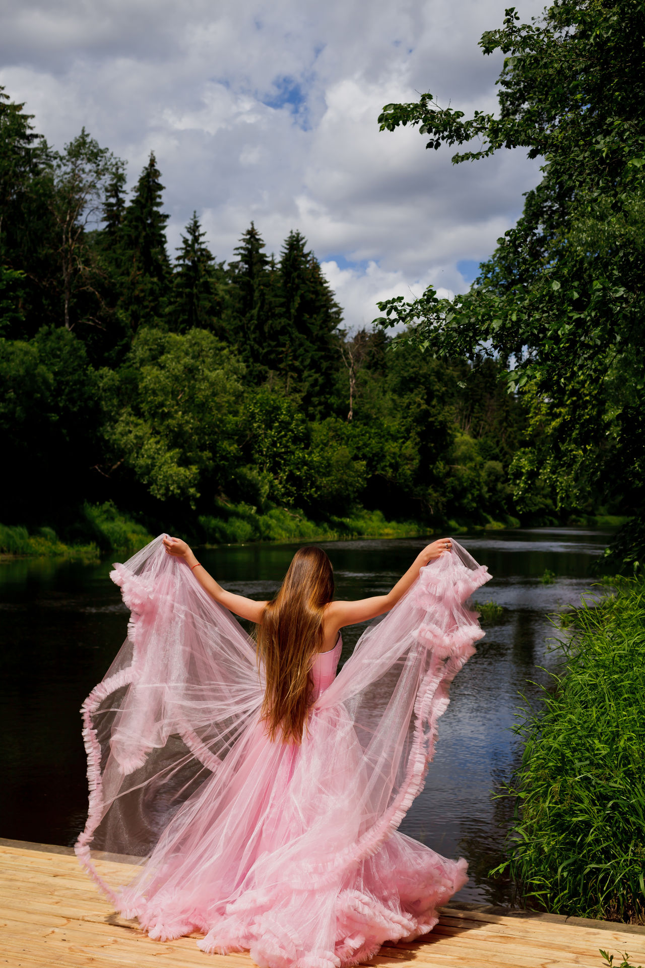 Dress Dress To Impress Flying Green In Motion Lake Motion Nature Nature_collection Pink River Riverside Summer Summer Views Summertime Sommergefühle EyeEm Selects