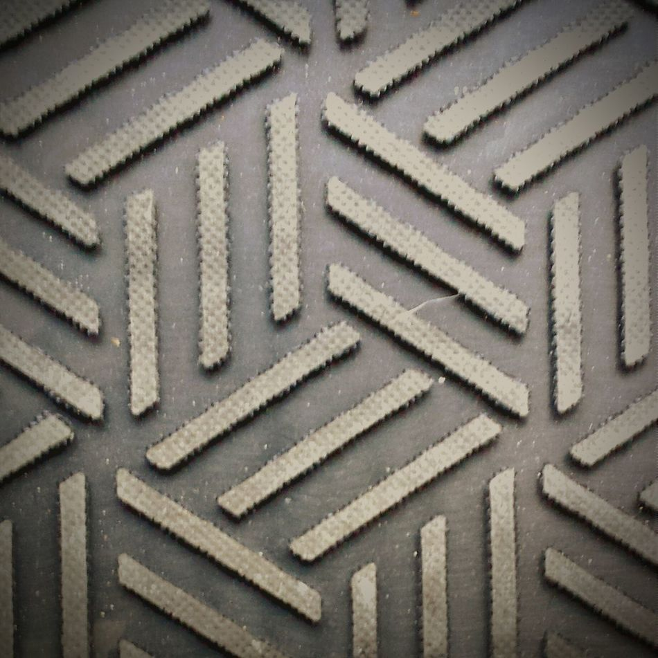 Really cool floor mat up close Working Enjoying The View Observing Taking Photos Urban Filter 4 Geometric Shapes Textures And Surfaces Floor Mat Macro Beautiful Day