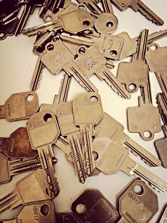 Finding Lars' keys :p Moving Offices