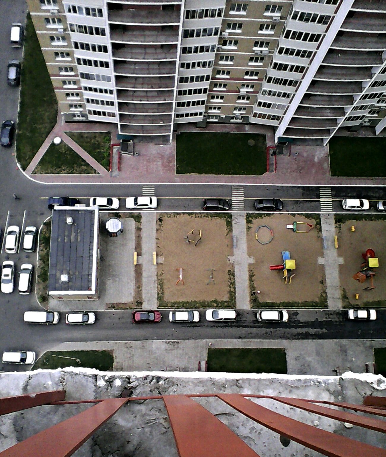 Height 25 Floor Streetphotography Street High Rise Building Balcony Look Car Platform Contrast