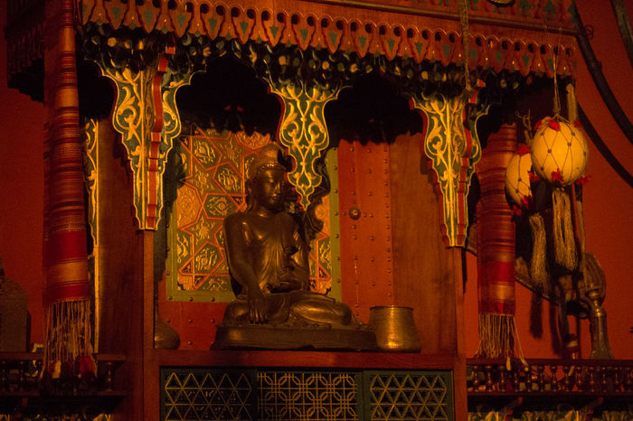 Buddha Statue Cultures Day Gold Gold Colored Indian Indoors  No People Place Of Worship Religion Spirituality Statue