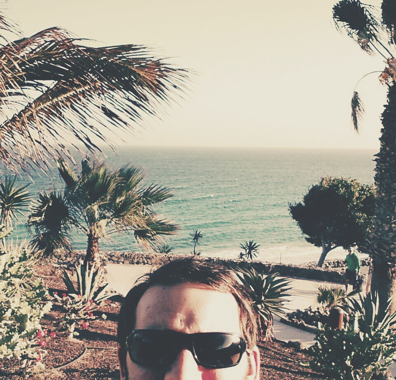 Suchbild. Wo sich wohl die Strandbar versteckt? Enjoying The Sun Hammerfettbombekrass Hanging Out