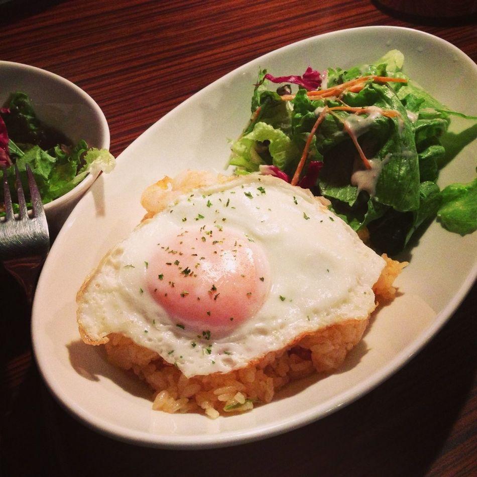 今日のお昼は、ナシゴレンです。(印尼風炒飯。)