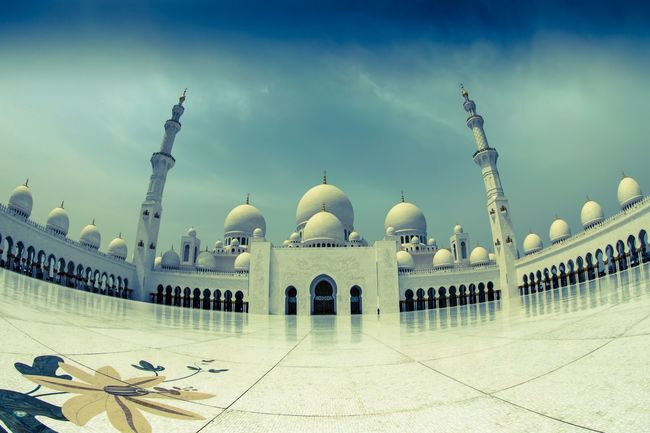 Sheik Zayed Grand Mosque / shot in Abu Dhabi The Architect - 2016 EyeEm Awards Tranquility My Favorite Photo Architecture Canon Tranquil Scene Mosque Sheikh Zayed Grand Mosque Abudhabi Abu Dhabi UAE Dubai EyeEm Best Edits Fisheye The Great Outdoors With Adobe Travel Photography Traveling