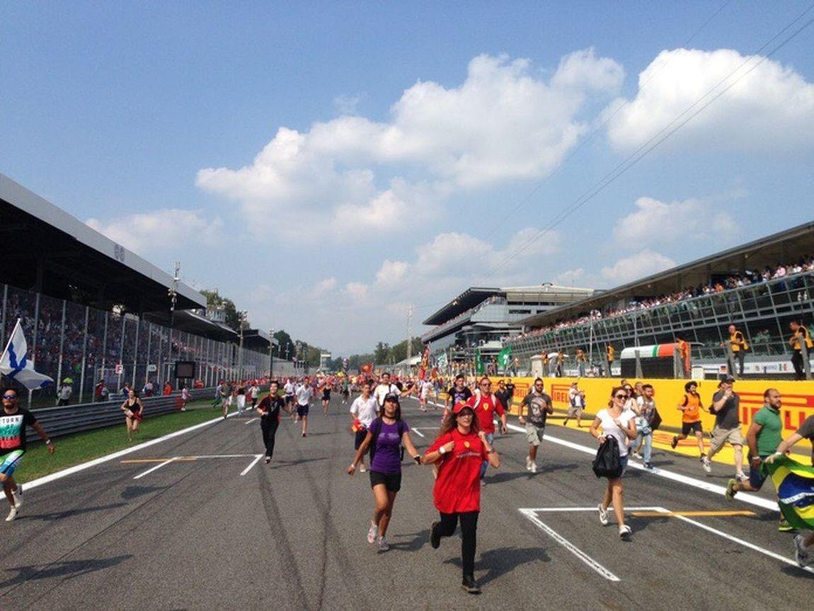 Monza Tifosi Formula 1 Italian Grand Prix IPhone Monza 2014
