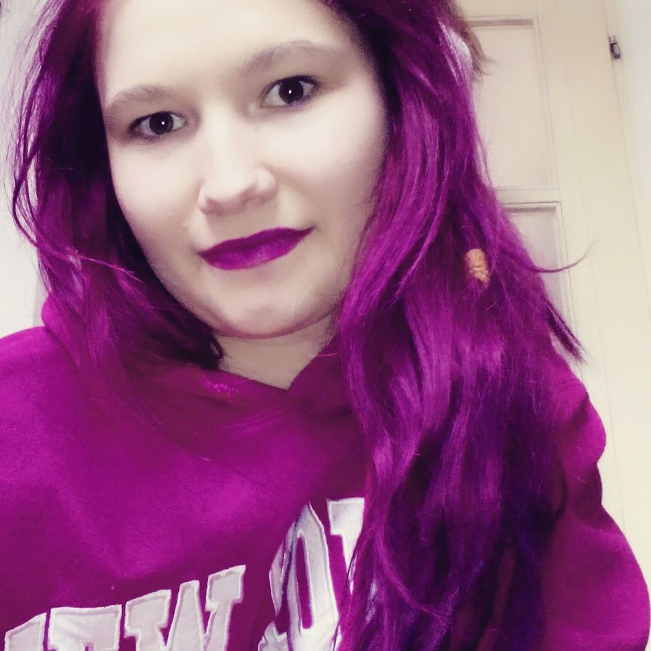 Lovepurple Purplelipstick Purple Hair Pretty Girl Selfie ✌ Popular Foto Sonrisa Smile ✌ Mobilephoto Beamodel Purple Purpleclothes 💜💜👗💜👗💜💋❤