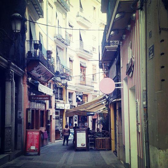 Una sottospecie di Diagon alley a Valencia Taking Photos Hello World Happy Day Street