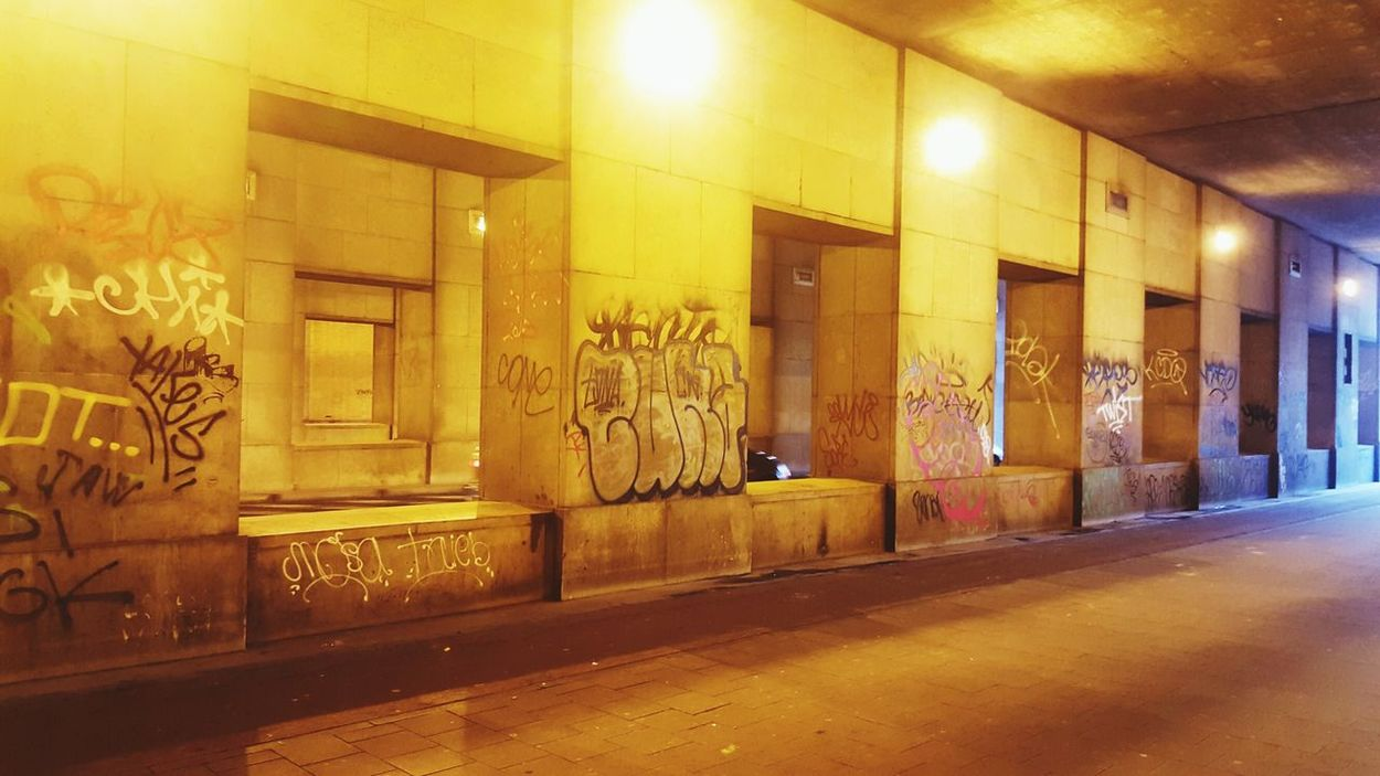 Street Streetphotography Snapshot Brussels View Building Photography Nightwalk Check This Out Living The Moment Capture The Moment Dont Miss It Its Cold Outside Must See Freelance Life Art Culture Graffiti Graffiti Art