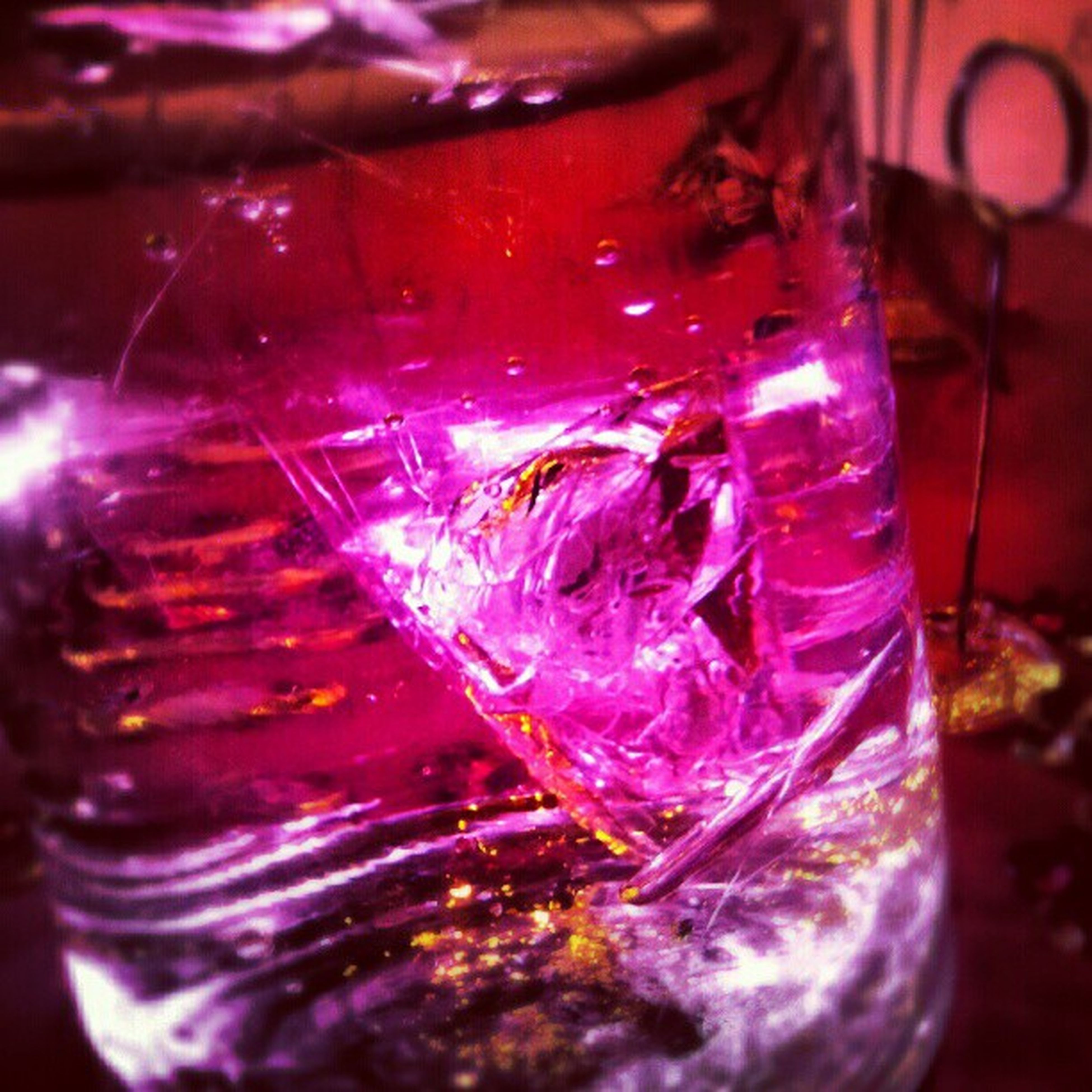 Weird water Glass Gel Recipient Container water pink vignete instagram instafocus instamood instagood dailypics dailyphoto ice ontherocks scotch table sweetxv picoftheday follow4followback follow4follow