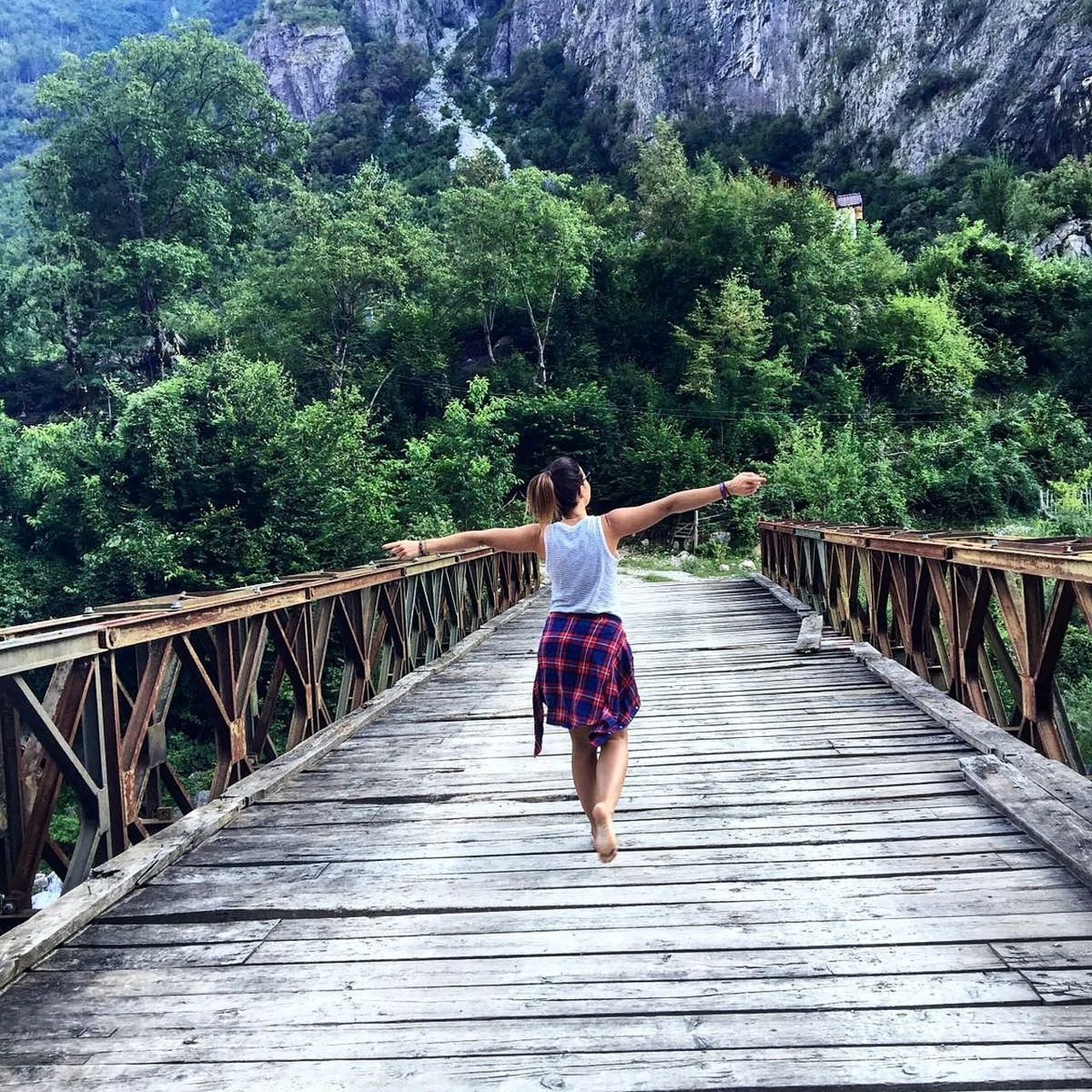 Albania Check This Out Girl Bridge Travel Photography Tagsforlikes EyeEm Best Shots EyeEm Gallery Travelling Eyemphotography Enjoying Life Nature Photography Nature EyeEm Best Shots - Nature Naturschönheiten Valbone