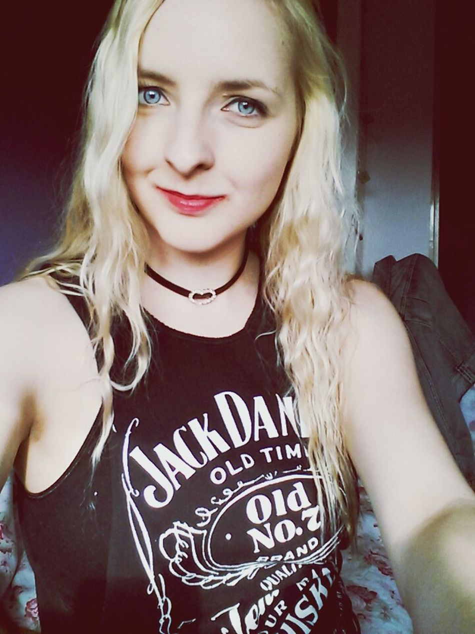 Got curly hair for once :') Selfie Smile Curly Hair Rock N Roll