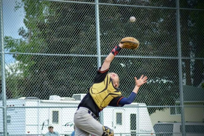 People And Places Dramatic Angles Baseball Baseball Game BaseballLife Baseball Bat Baseball Player Baseball ⚾ Baseballplayer TakeoverContrast