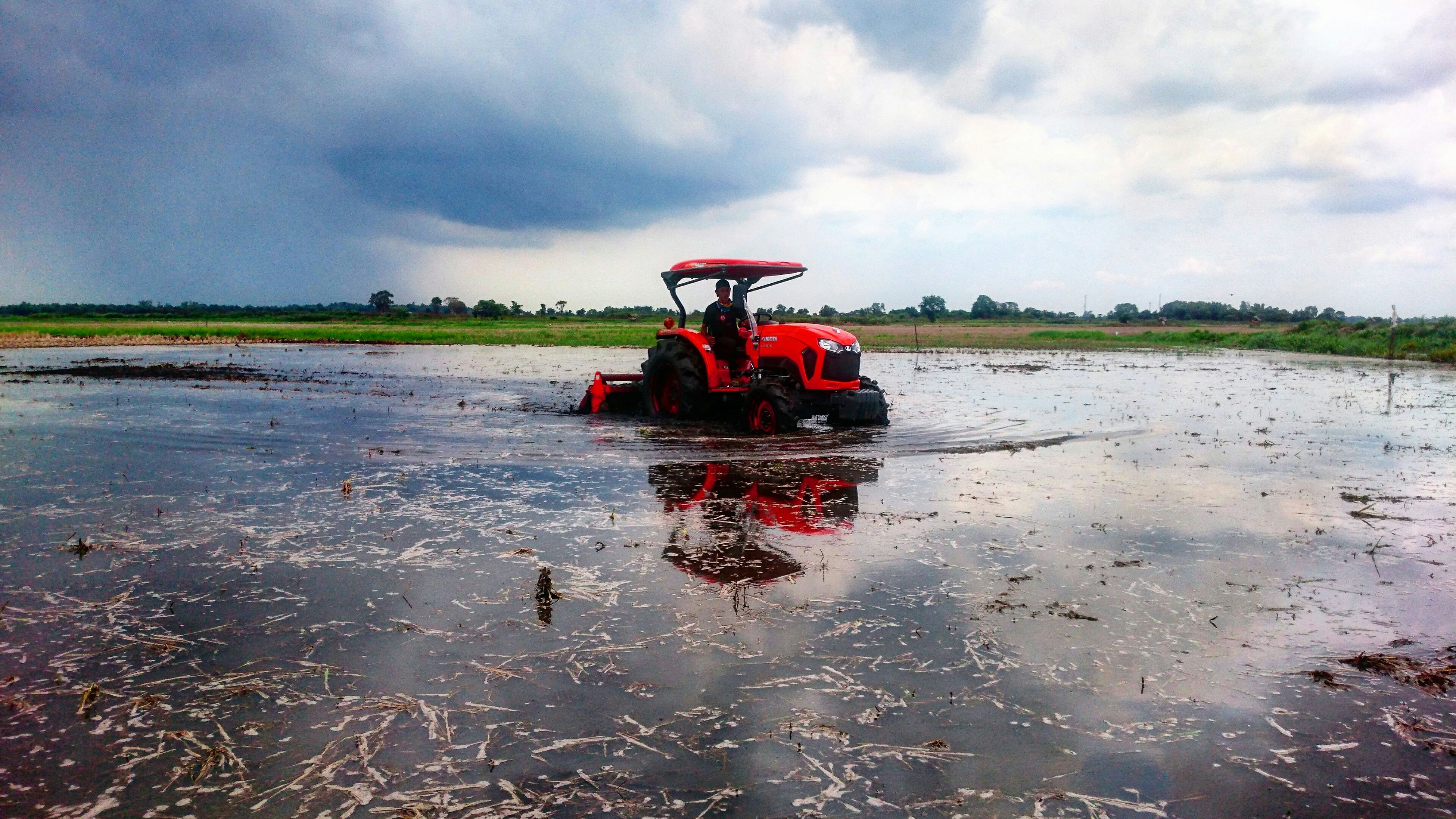 Tractor test L5018 at Pemulutan Palembang Tractor Kubota L5018 L Series Rotary Farm Machinery Farm Tractors Cultivation Paddy Field Wet Paddy