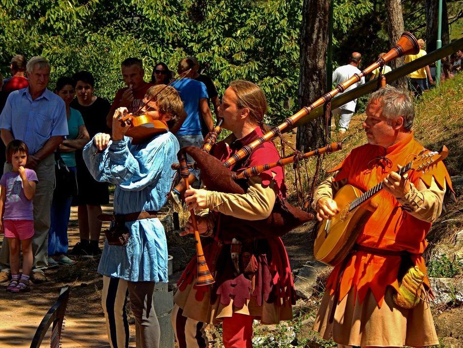 Medieval troubadours Eyeem Hungary Hungary Popular Photos Festival Listening To Music Live Music Medieval Days Historical Moments Renaissance Festival EyeEm Best Edits