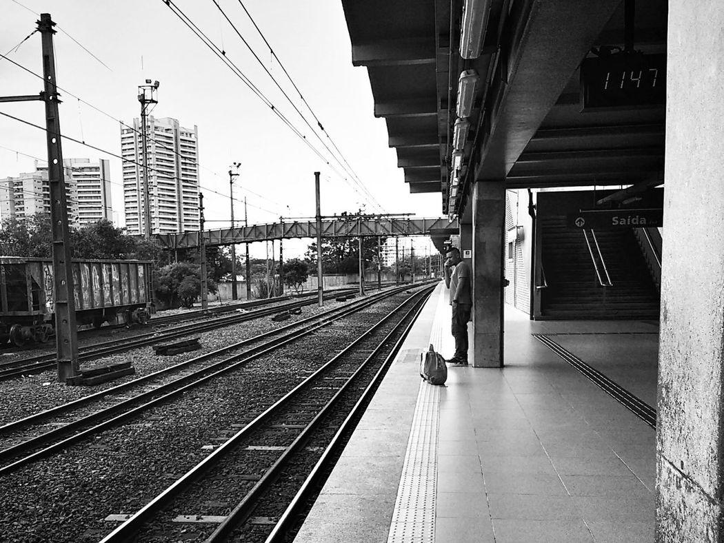 NEM Street Monochrome_life EyeEmBrasil Streetphoto_bw Mobilephotography Monochrome Monoart Streetphotography Blackandwhite