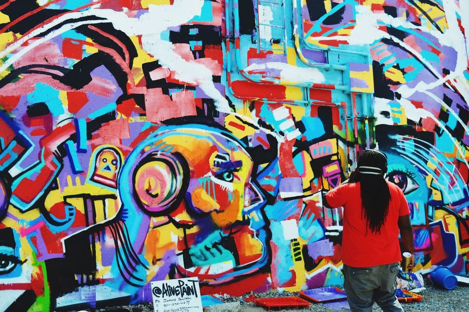 Paint Louis 2016 Art Graffiti Art Flood Wall Artists At Work Artist Point Of View Enjoying The Moment Taking Pictures Hanging Out Vibrant Colors Mo