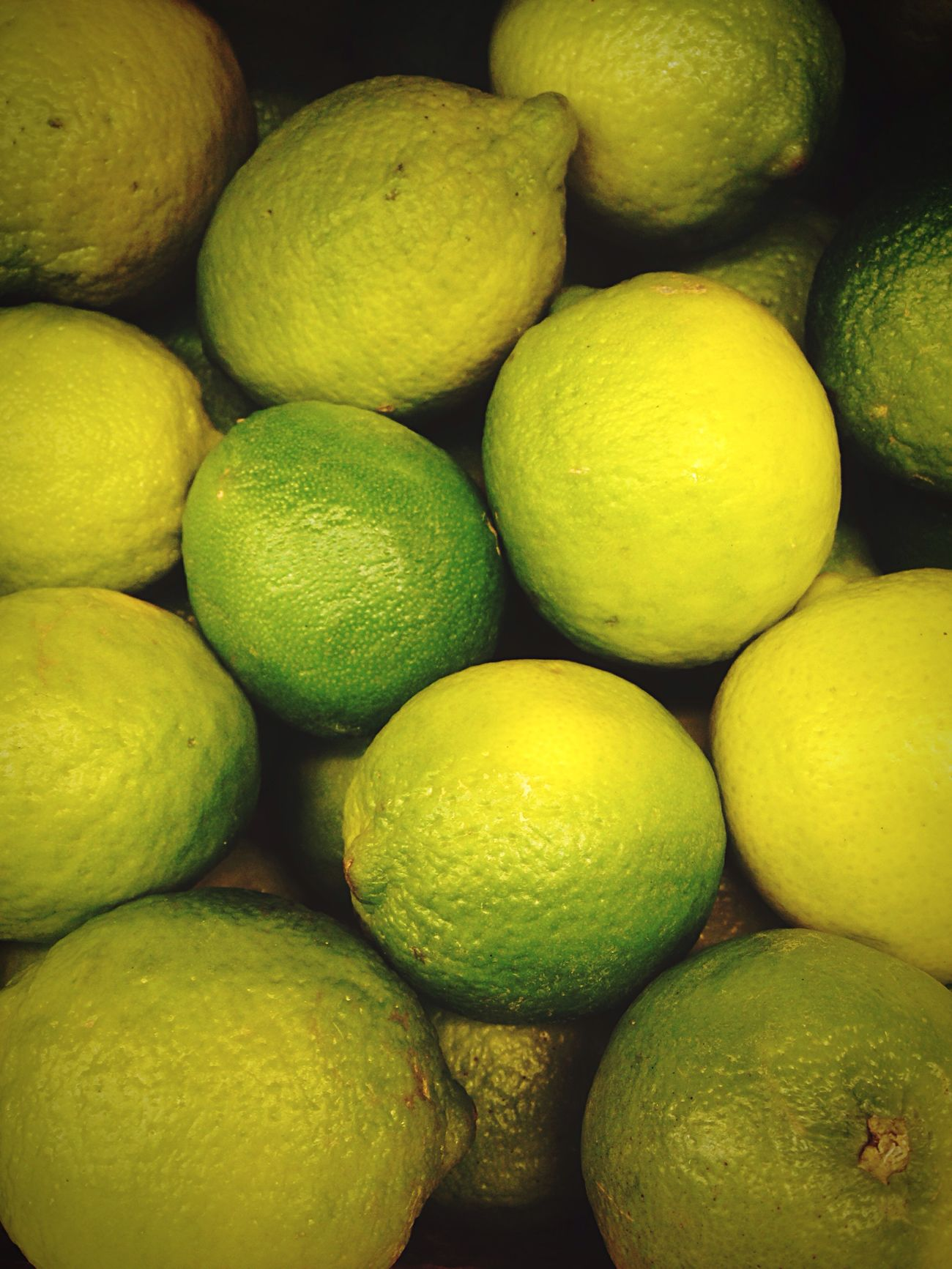 The skin 💚 Freshness Food Healthy Eating Citrus Fruit Lemon Lime Market Stall Street Photography Iphoneonly Vscocam Minimalism_world Moscow Minimalism_masters хамовники усачевка (null)Mobilephotography Fruitporn VSCO Vscorussia Green Color Greenery Photooftheday Colour Of Life Color Explosion