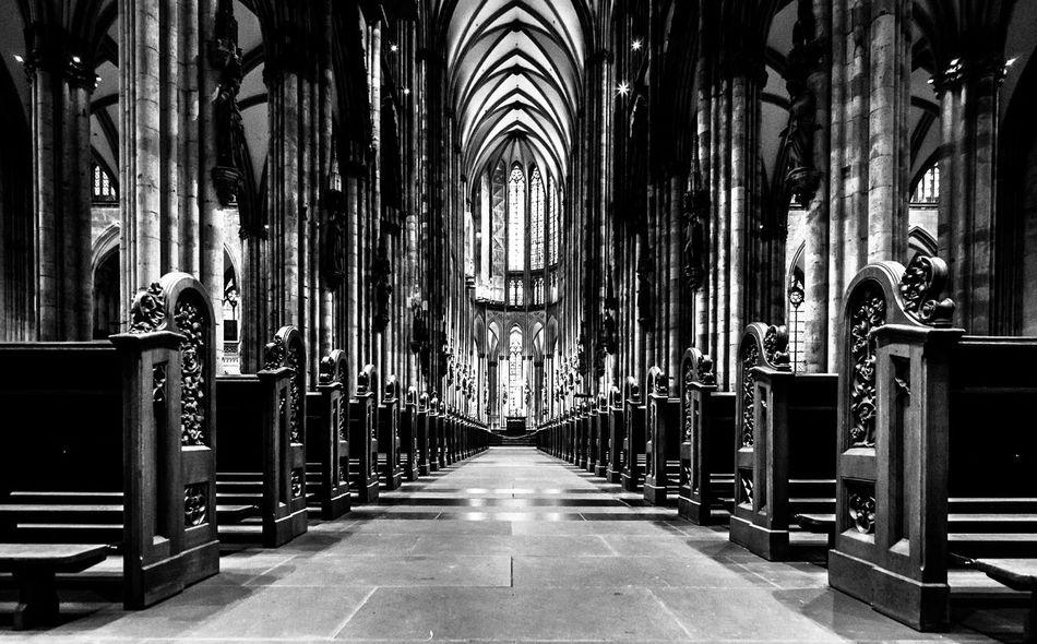 Empty Church. EyeEm Best Shots EyeEm Best Shots - Black + White Fortheloveofblackandwhite Blackandwhite Capturing Freedom Symmetry Kölner Dom Vanishing Point