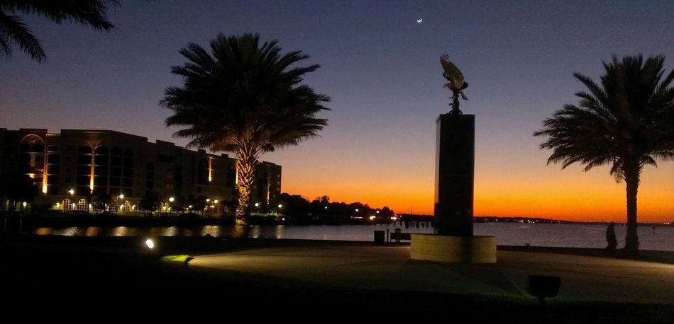 Photo captured with my HTC EVO 4G LTE smartphone. Florida Sunset #sun #clouds #skylovers #sky #nature #beautifulinnature #naturalbeauty #photography #landscape Androidography HTC EVO 4g Lte