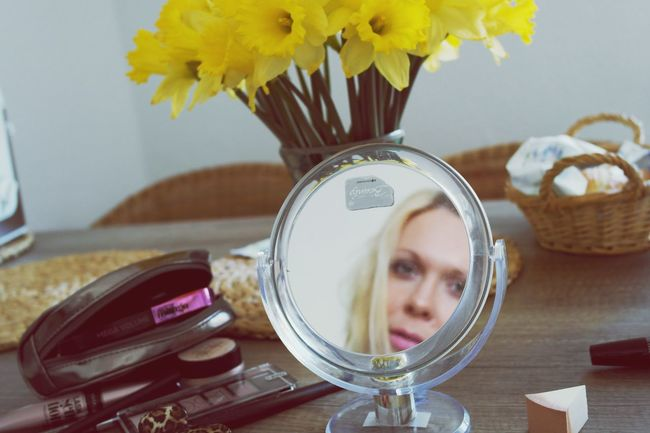 Makeup Womenofeyem Gettingready Itsme Women Of EyeEm Everywonanisbeautiful Mirror