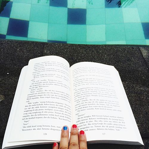 Goodmorning , hi my Book & Swimming Pool 🙋🏼 From My Point Of View