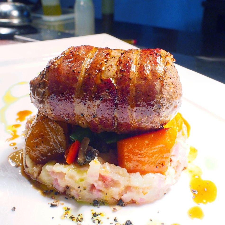 Bacon Wrapped Steak Food Rubatosg