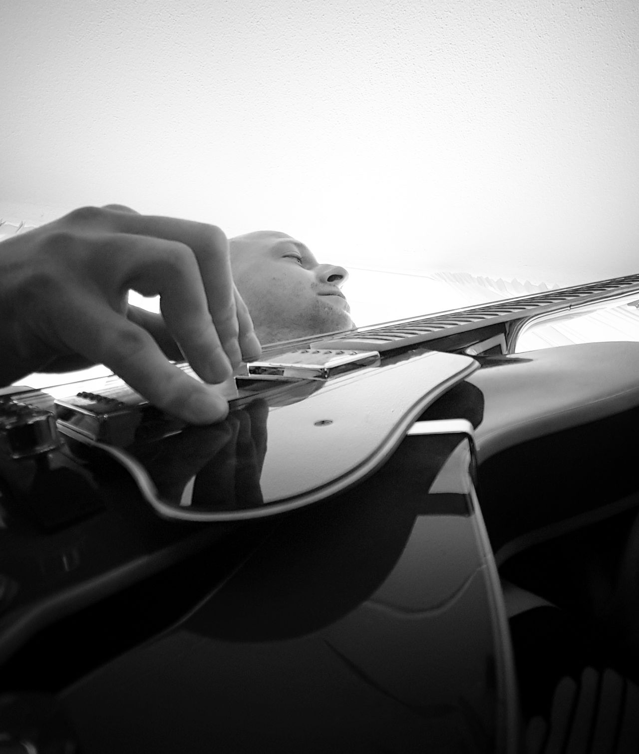 One Person One Man Only Musical Instrument Sgs7edge Thats Me  Ibanez Playing The Blues Guitar Player Blackandwhite Black & White Blackandwhite Photography Eye4photography  Snapspeed Fingerpicking Hand JustMe Chill Mode Cube Chilling On A Sunday Human Body Part Arts Culture And Entertainment EyeEmBestPics Capture The Moment Playing The Guitar