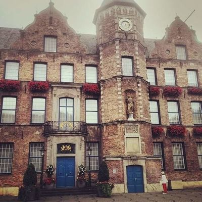 Cloudy Düsseldorf Travel Wanderlust Architecture Building Exterior Built Structure City Day Germany No People Outdoors Window