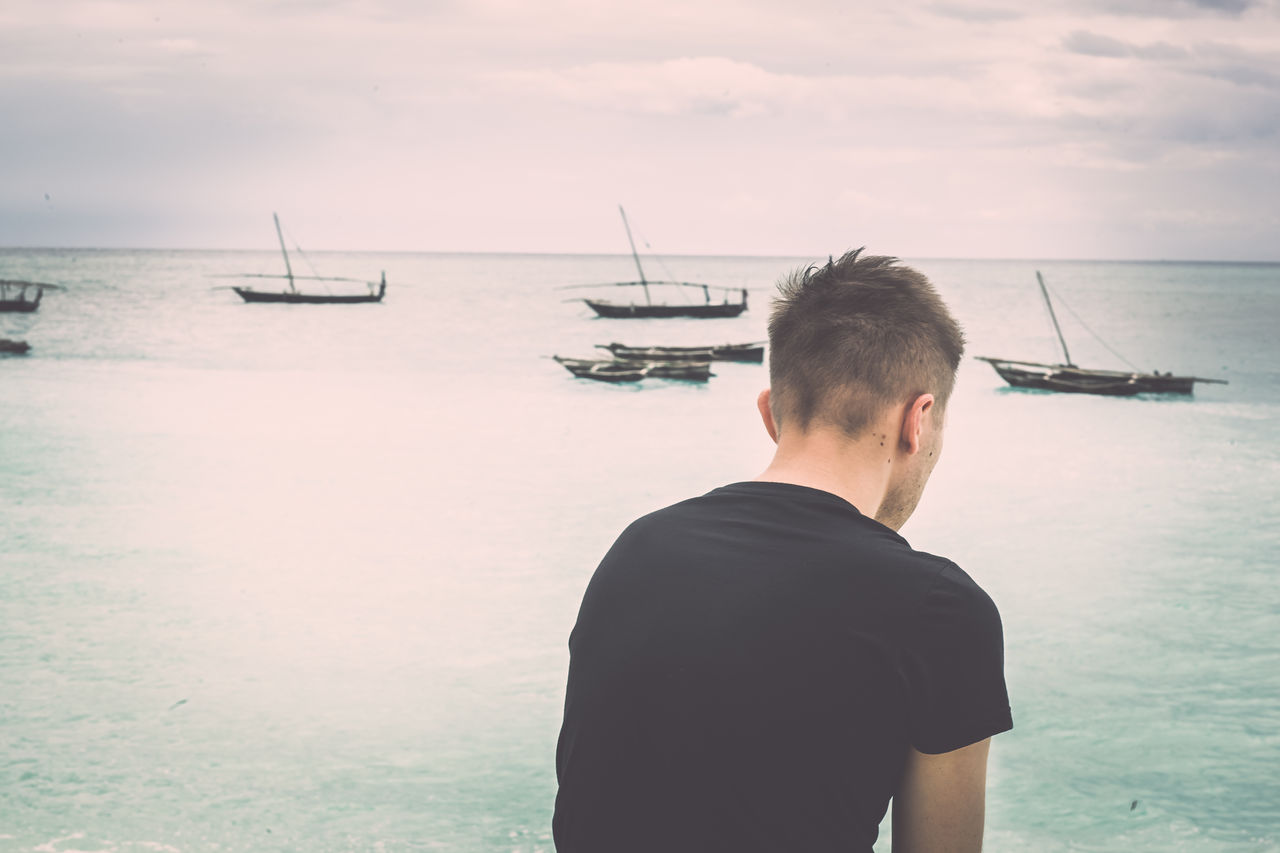 Beautiful stock photos of traurig,  25-29 Years,  Cloud - Sky,  Day,  Horizon Over Water
