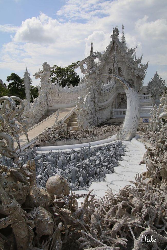 白い寺 地獄寺 WatRongKhunWhiteTemple 空 Chiang Rai, Thailand Sky Cloud Sky And Clouds 空と雲