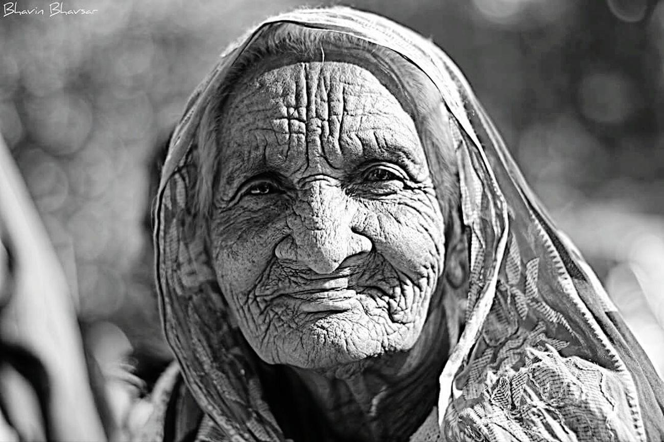 Portrait Portrait Of A Woman Blackandwhite Photography Street Portrait Black And White Portrait Portrait Photography