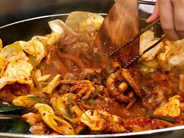 Human Hand Food Food And Drink Human Body Part Ready-to-eat Holding One Person Indoors  Freshness Meat Close-up Healthy Eating Day People Korean Food Armystew Indoors  Spicy Food No People (null)Seafood Chilli Tastyfood