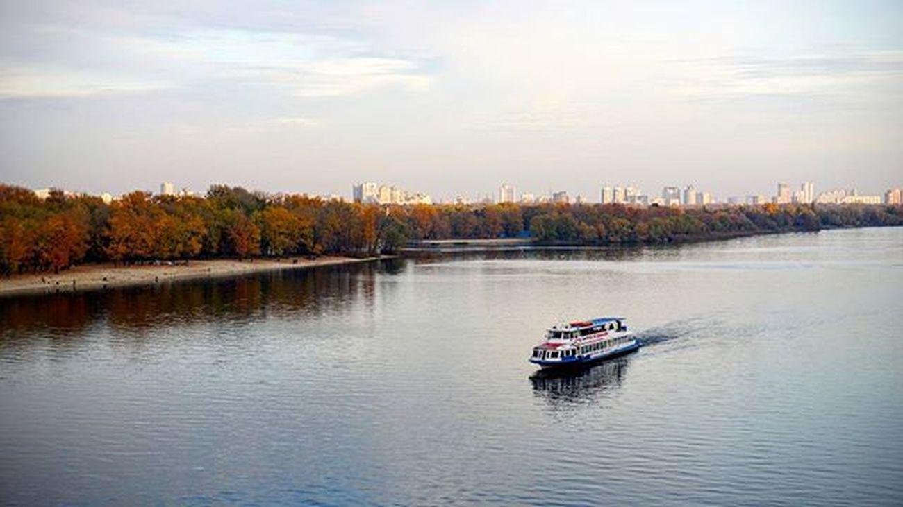 Kyiv Kiev Ship Boat River Water Island Sky Autumn Fall Київ човен катер річка дніпро вода острів небо осінь Киев лодка катер речка днепр вода остров небо осень